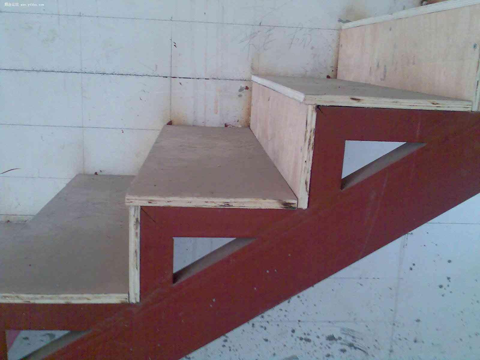 室内钢结构楼梯